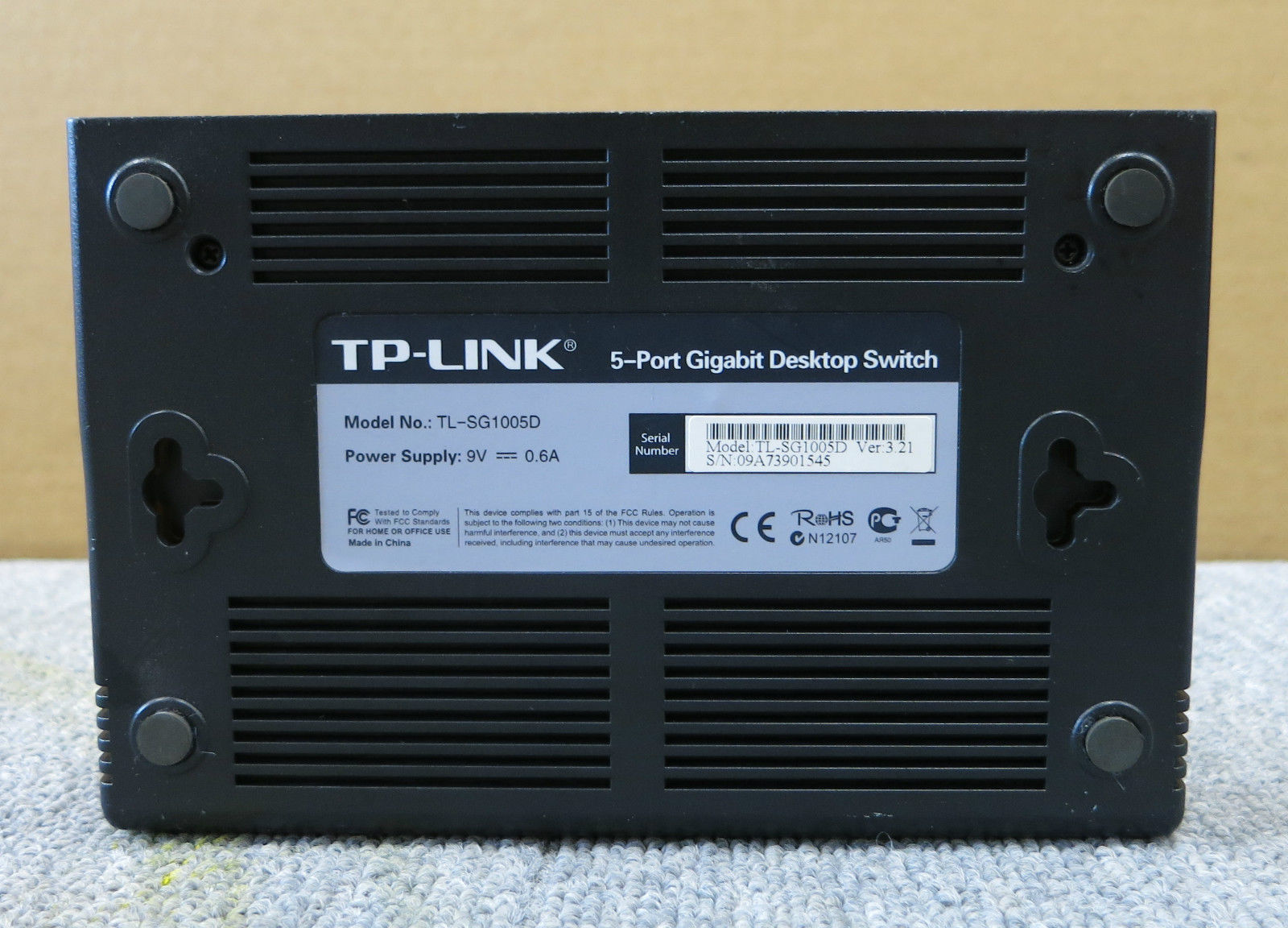tp link tl sg1005d 5 port gigabit unmanaged desktop switch white. Black Bedroom Furniture Sets. Home Design Ideas