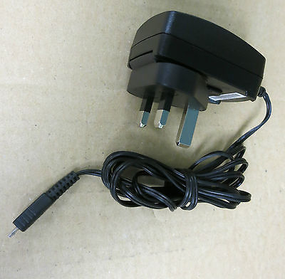 Blackberry HDW-17957-003 AC Power Adapter Charger 5V 700mA - PSM04R-050CHW1(M)