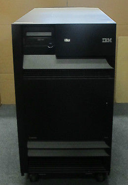 IBM eServer iSeries 9406M - 35GB, 15k x 39 SCSI HDD, 15 Cards - Storage Server