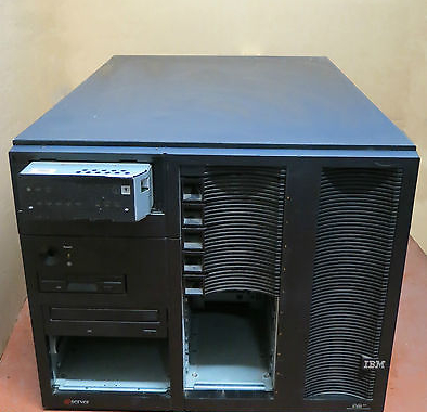 IBM eServer xSeries 250, 8665-81Y, 2x Pentium 3 XEON 900Mhz, 1.5GB Rack Server