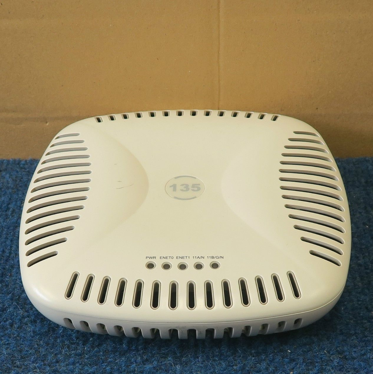 Aruba AP-135 - 5GHz 2 4GHz 802 11n Dual Band Wi-Fi Wireless Access Point