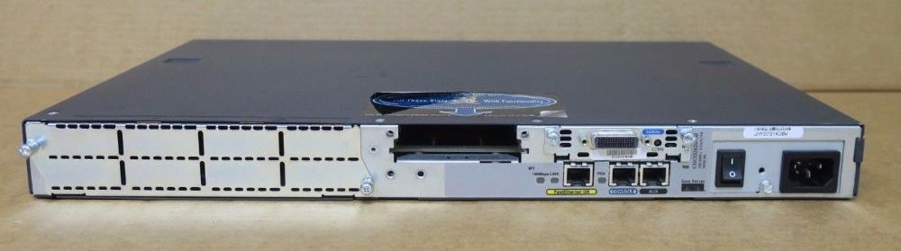CISCO2620 Router 10//100Mbps Fast E
