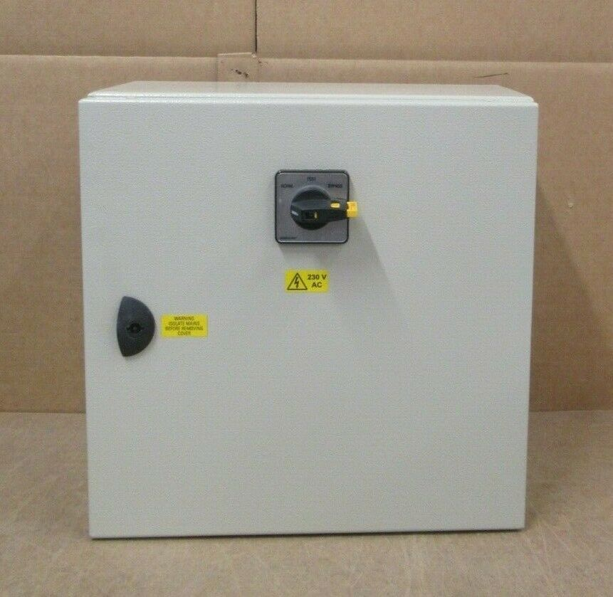 ETA ST4-420 Cabinet Salzer 230V 70A 3PH Change-Over Bypass Switch